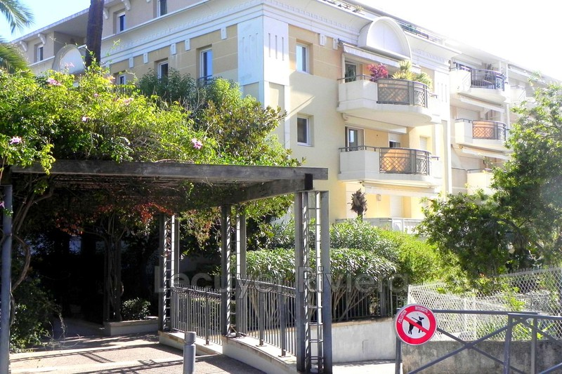 Photo Apartment Golfe-Juan Proche plages,   to buy apartment  2 rooms   43m²