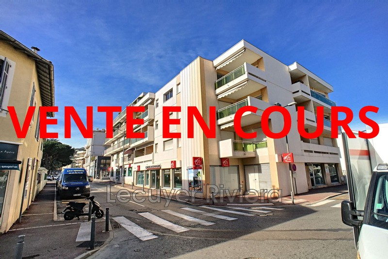 Photo Apartment Golfe-Juan Centre-ville,   to buy apartment  2 rooms   50m²