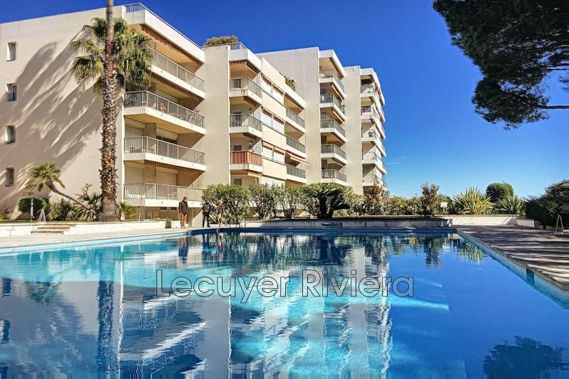 Photo Appartement Golfe-Juan Collines,   achat appartement  4 pièces   93m²