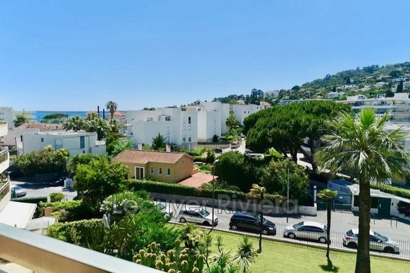 Photo Apartment Golfe-Juan Centre-ville,   to buy apartment  3 rooms   64 m²