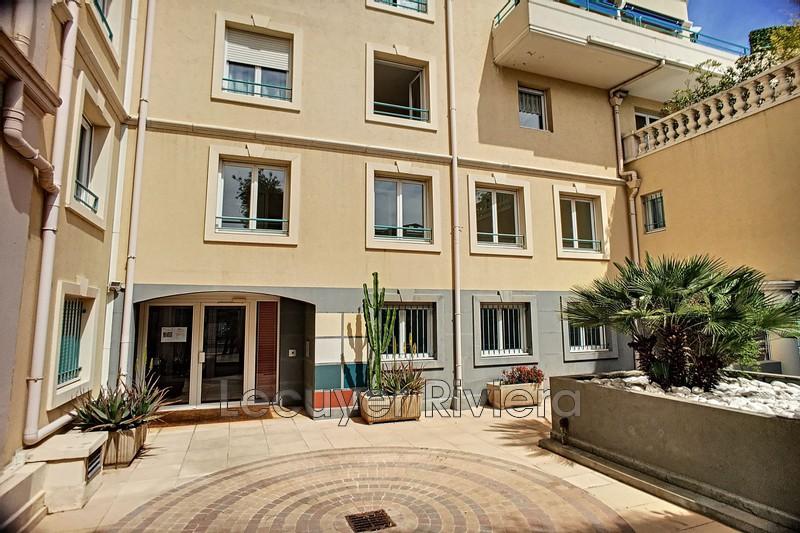 Photo Appartement Golfe-Juan Centre-ville,   achat appartement  2 pièces   49m²