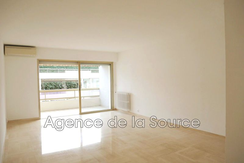 Photo Appartement Cannes Centre-ville,  Location appartement  2 pièces   52 m²