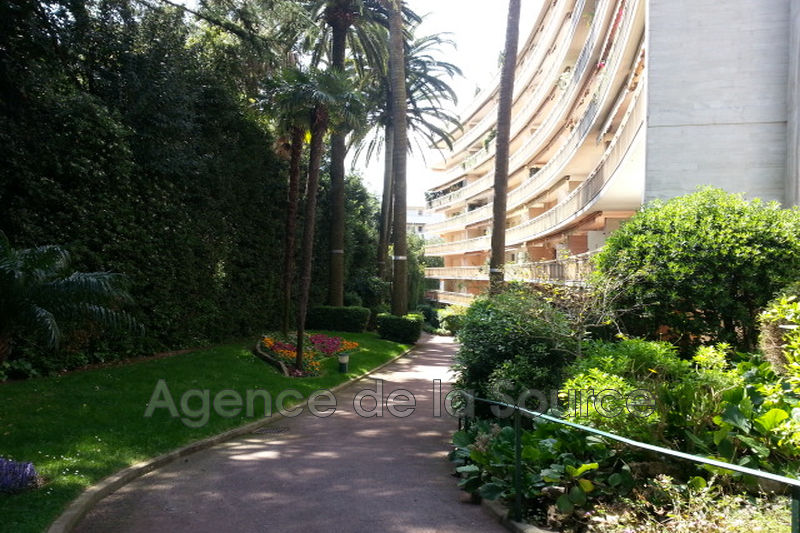Photo n°1 - Location appartement Cannes 06400 - 1 260 €