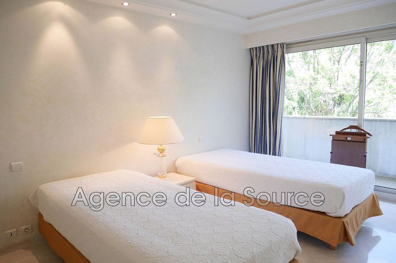 Photo n°8 - Location appartement Cannes 06400 - 4 080 €
