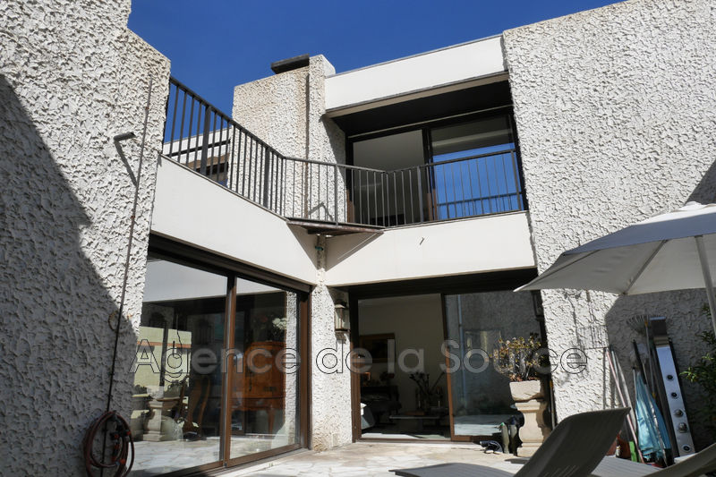 Photo Apartment Cannes Proche plages,   to buy apartment  4 rooms   130 m²