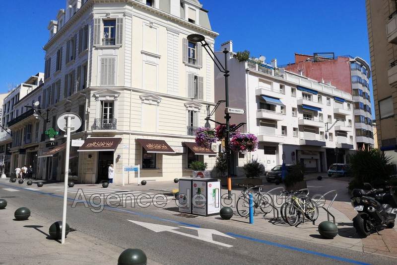 Photo Apartment Cannes Centre-ville,   to buy apartment  3 rooms   74 m²