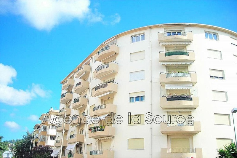 Photo n°1 - Vente appartement Cannes 06400 - 220 000 €