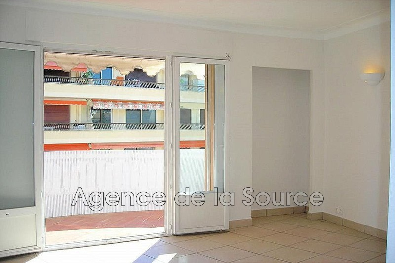 Photo n°2 - Vente appartement Cannes 06400 - 220 000 €