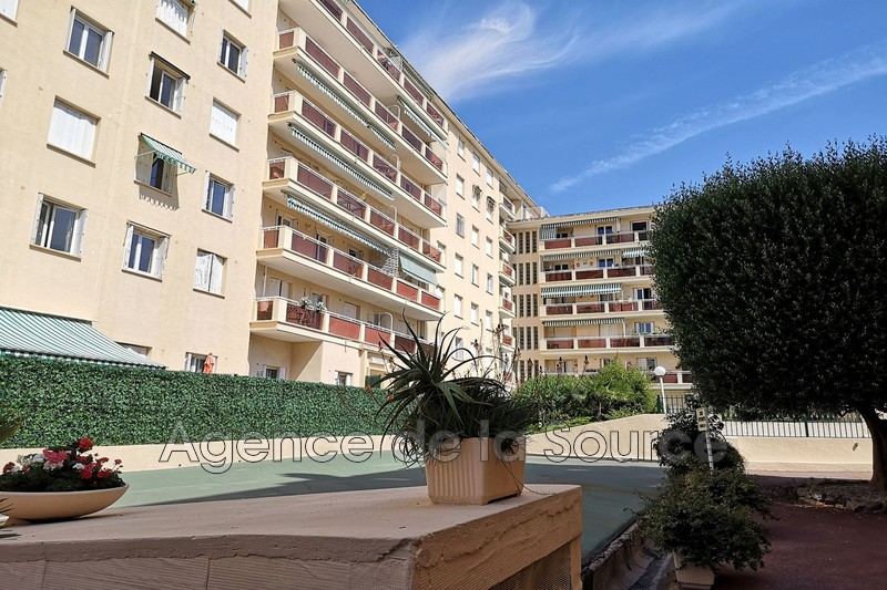 Photo n°1 - Vente appartement Cannes 06400 - 325 000 €