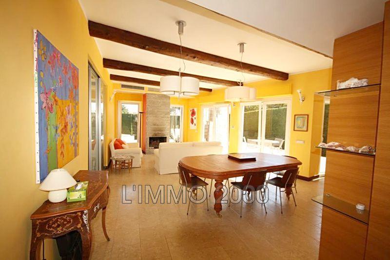 maison  6 rooms  Cap d'Antibes   180m² -