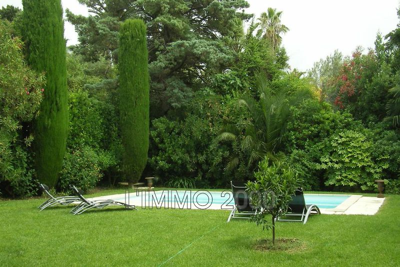 maison  5 rooms  Cap d'Antibes   140m² -