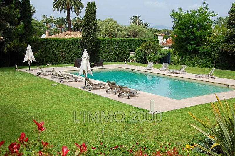 maison  6 rooms  Cap d'Antibes   350 m² -