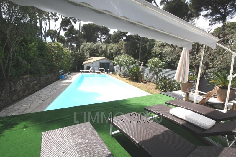maison  4 rooms  Cap d'Antibes   220 m² -