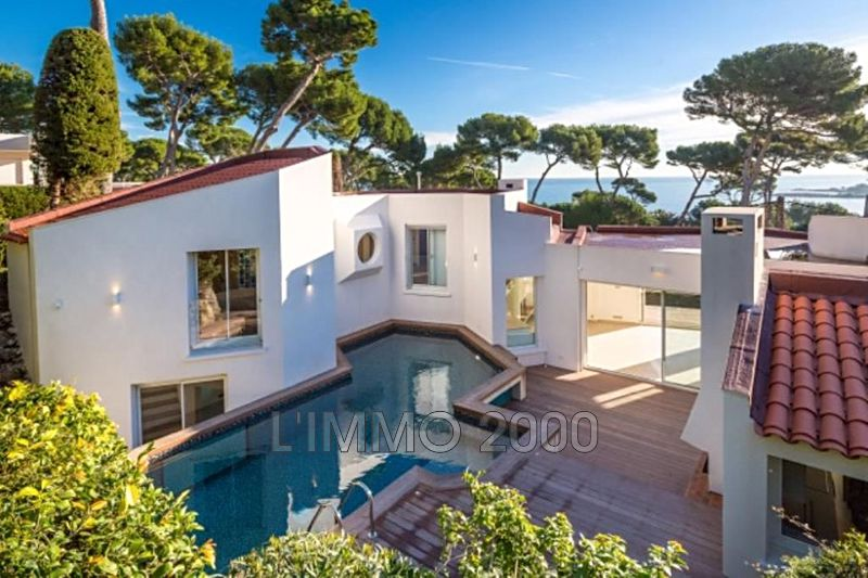 maison  6 rooms  Cap d'Antibes   250 m² -