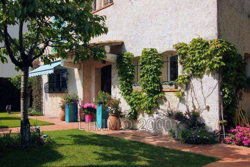 maison  5 rooms  Juan-les-Pins Pine-wood  220m² -