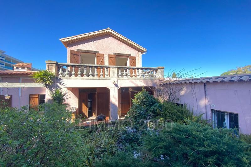 maison  6 rooms  Cap d'Antibes Antibes  200m² -