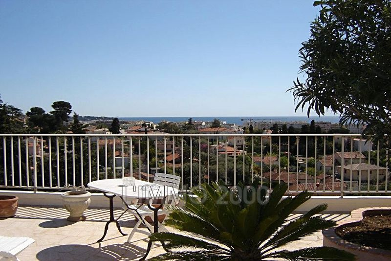 appartement  4 rooms  Juan-les-Pins   140 m² -