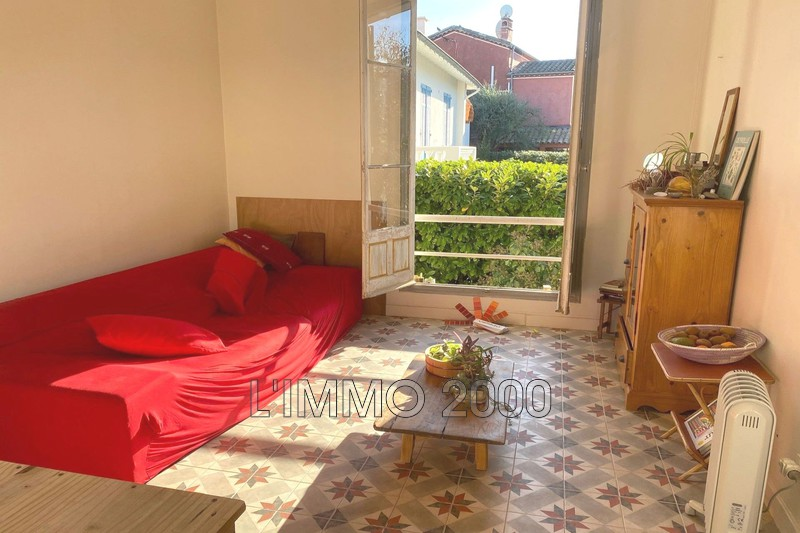 appartement  4 rooms  Cap d'Antibes Pine-wood  78 m² -