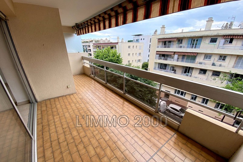 appartement  1 room  Juan-les-Pins Wilson  31m² -