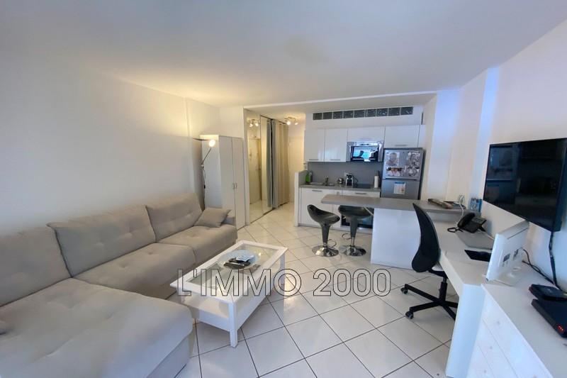 appartement  1 room  Juan-les-Pins   24m² -