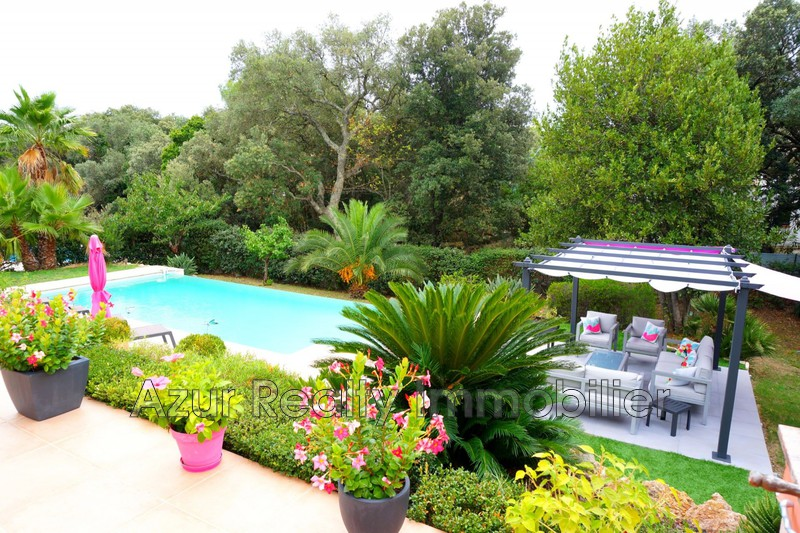 Photo Villa Saint-Aygulf Village,   achat villa  4 chambres   160 m²