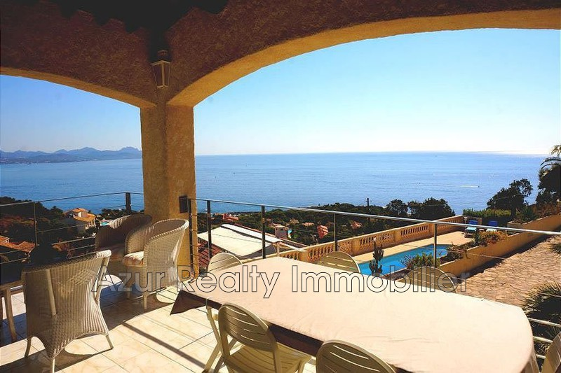 Villa Les Issambres Bord de mer,   to buy villa  4 bedrooms   225 m²