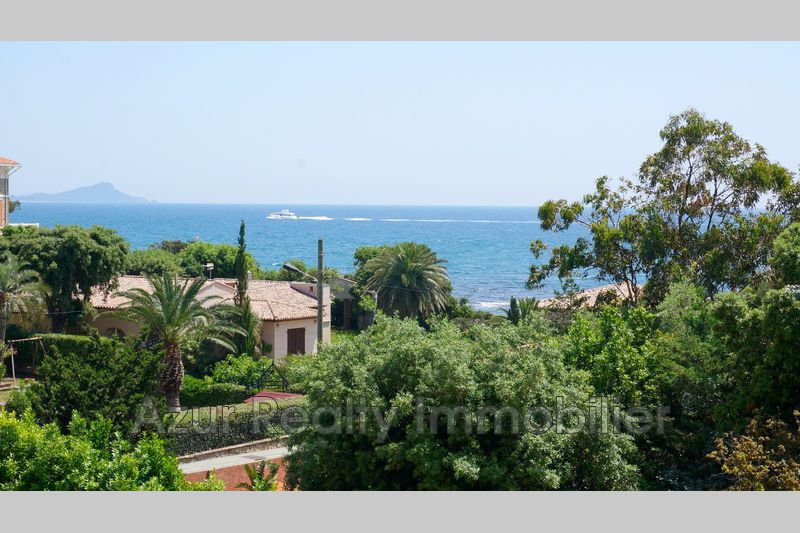 Photo Apartment Saint-Aygulf Bord de mer,   to buy apartment  2 rooms   30 m²