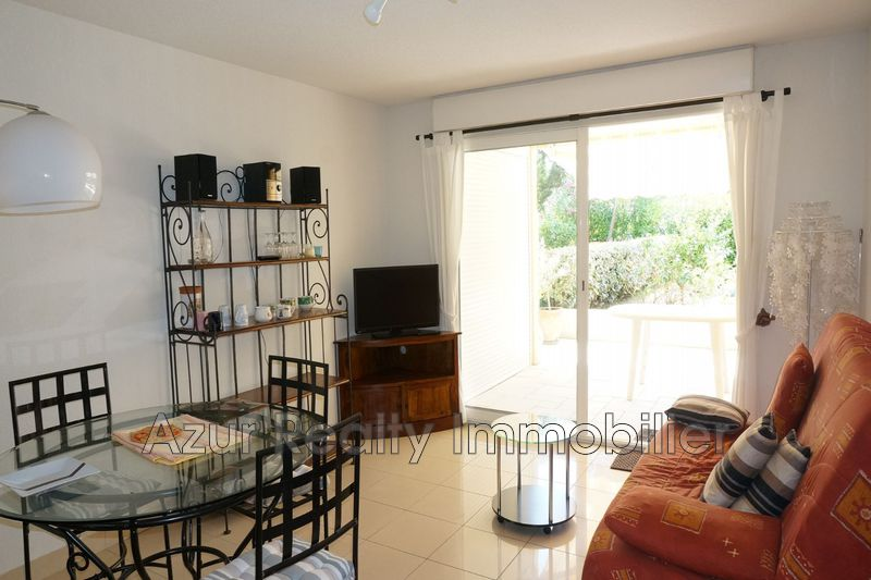 Photo Apartment Saint-Aygulf Proche plages,   to buy apartment  2 rooms   44 m²