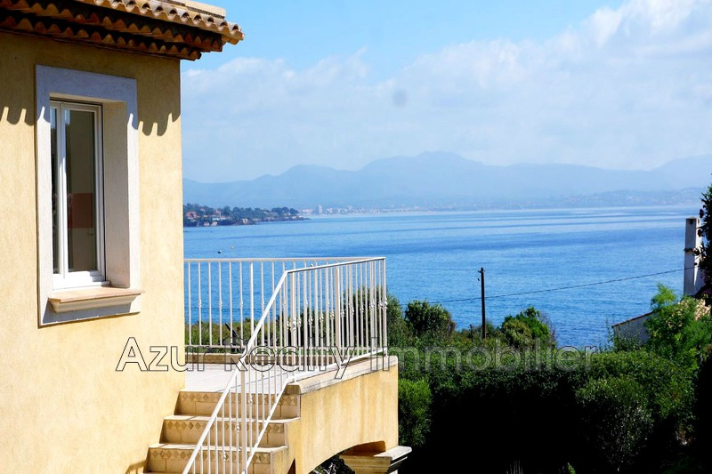 Villa Les Issambres Bord de mer,   to buy villa  4 bedrooms   125 m²