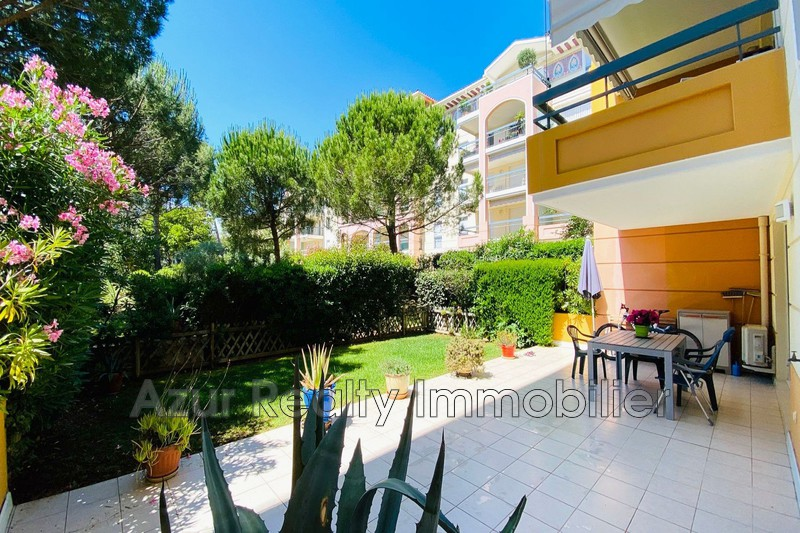 Photo Apartment Saint-Aygulf Bord de mer,   to buy apartment  2 rooms   51 m²