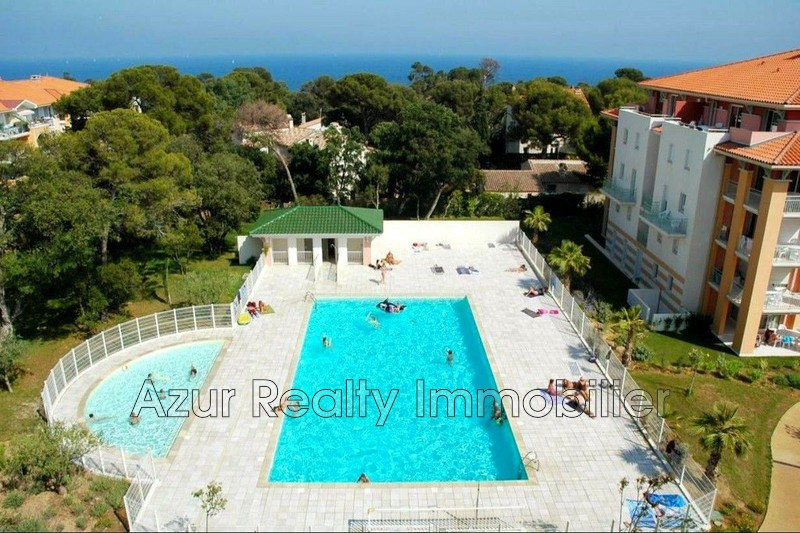 Photo Appartement Saint-Aygulf Centre-ville,   achat appartement  4 pièces   68 m²