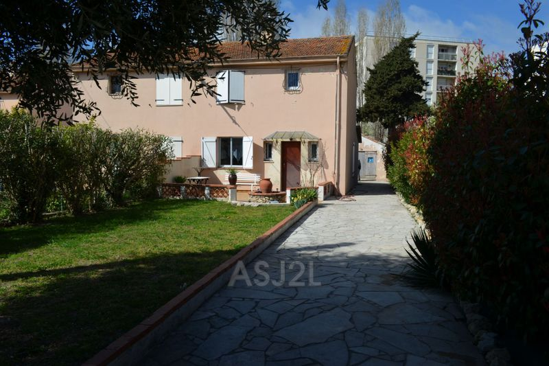 Photo n°2 - Vente maison Cannes-la-Bocca 06150 - 375 000 €