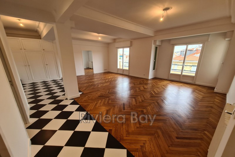 Photo Appartement Nice Bord de mer,  Location appartement  3 pièces   98 m²