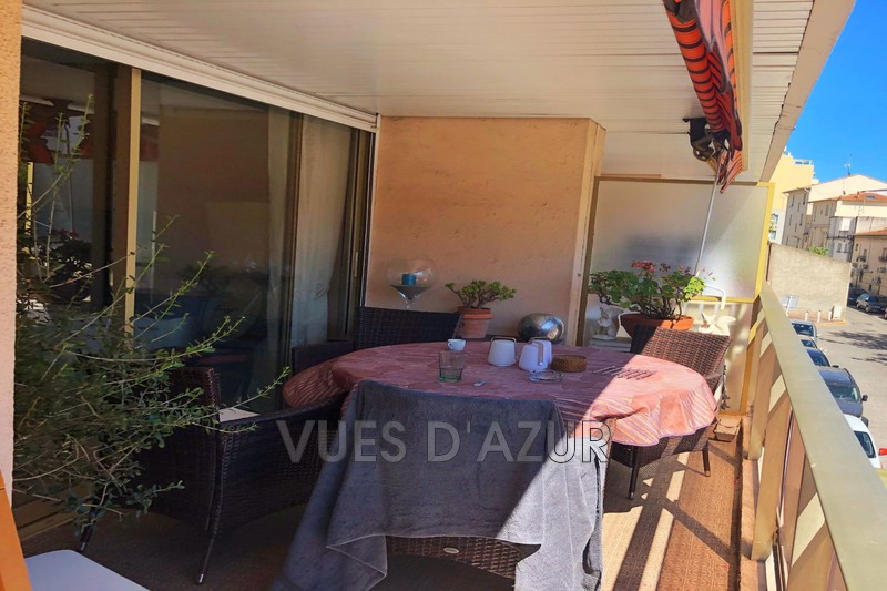 appartement  2 rooms  Juan-les-Pins Downtown  58 m² -