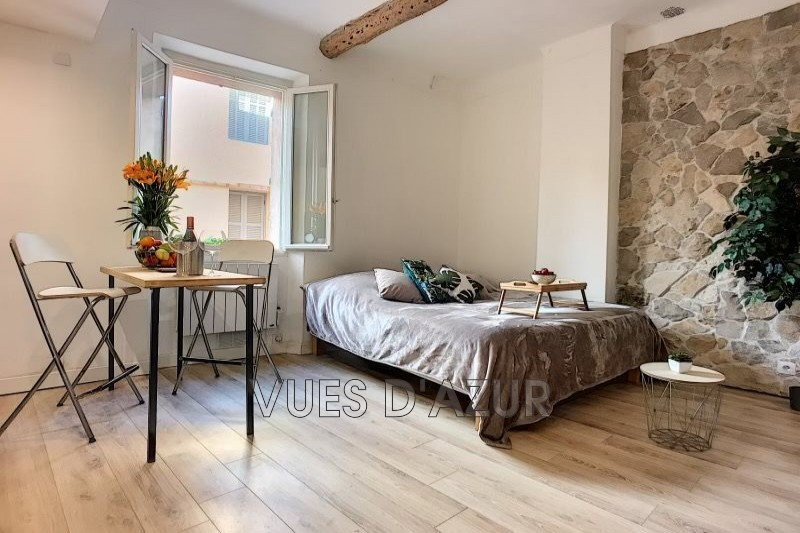 appartement  1 room  Antibes Old antibes  24 m² -