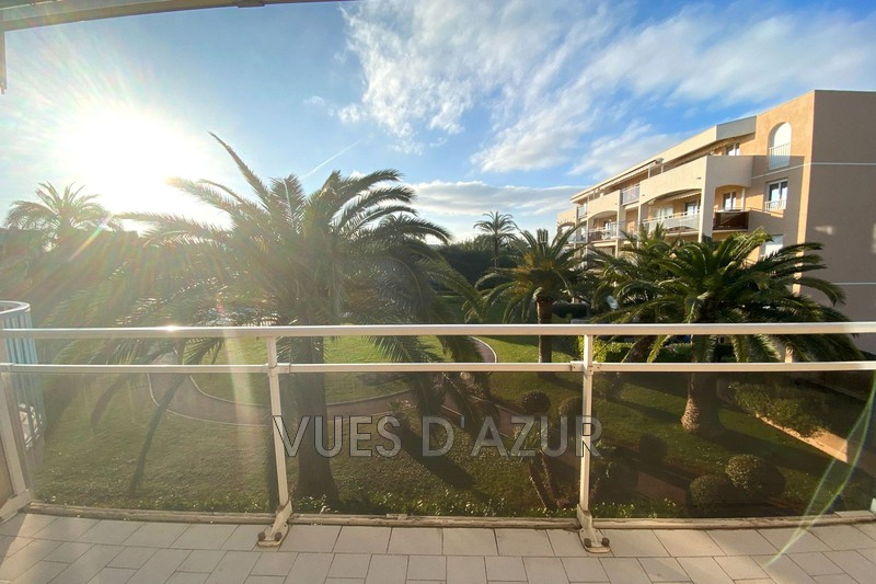 appartement  3 pièces  Antibes Combes  70m² -