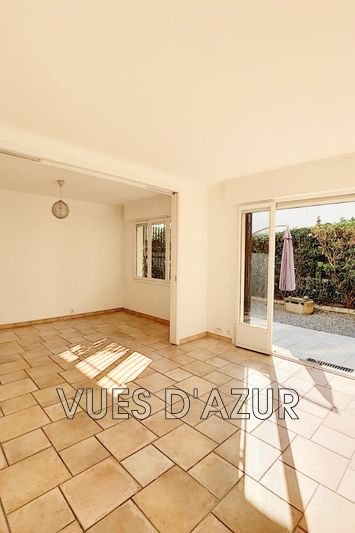 Photo Apartment Antibes Bord de mer,   to buy apartment  3 rooms   63 m²