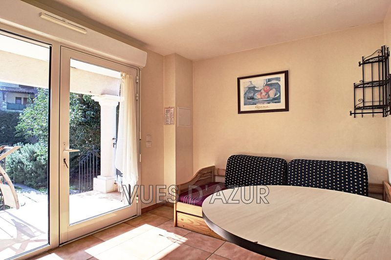 Photo Traversant Juan-les-Pins Bord de mer,   to buy traversant  2 rooms   27 m²
