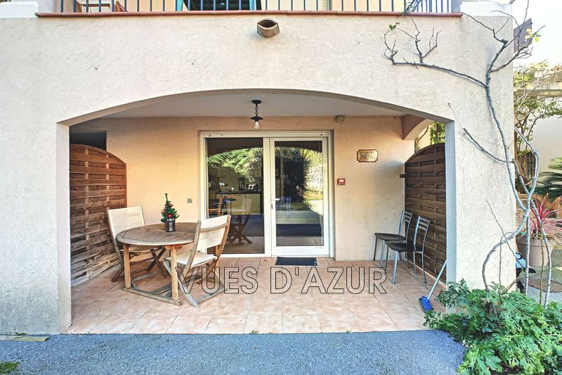 Photo Traversant Juan-les-Pins Bord de mer,   to buy traversant  1 room   34 m²