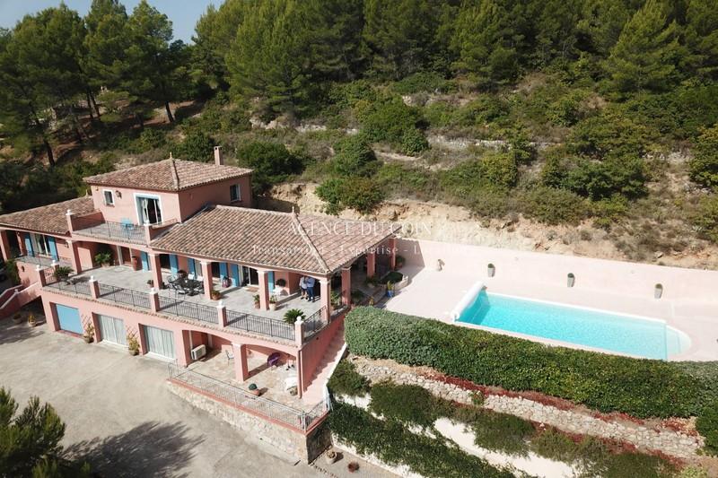 Photo Villa Draguignan   to buy villa  4 bedroom   220m²