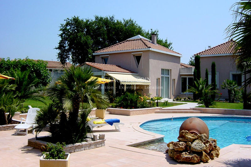 Bastide Le Muy   to buy bastide  5 bedrooms   220 m²