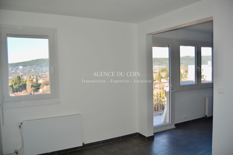 Photo Appartement Draguignan   achat appartement  2 pièces   66 m²