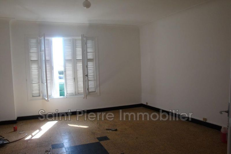 Photo Apartment Saint-Laurent-du-Var La gare,  Rentals apartment  2 rooms   51 m²