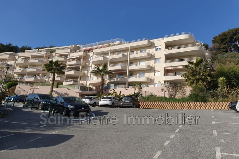 Photo Appartement Saint-Laurent-du-Var Rascas,  Location appartement  1 pièce   21 m²