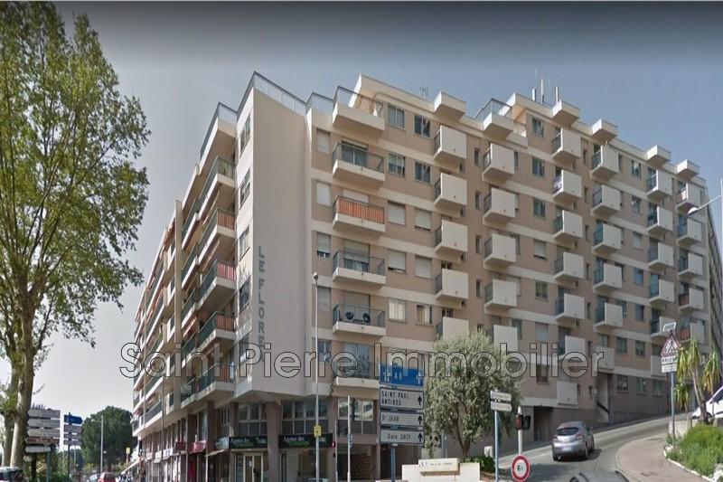 Photo Appartement Cagnes-sur-Mer Centre-ville,  Location appartement  4 pièces   77m²