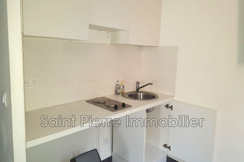 Photo Appartement Cagnes-sur-Mer Polygone,  Location appartement  1 pièce   27 m²