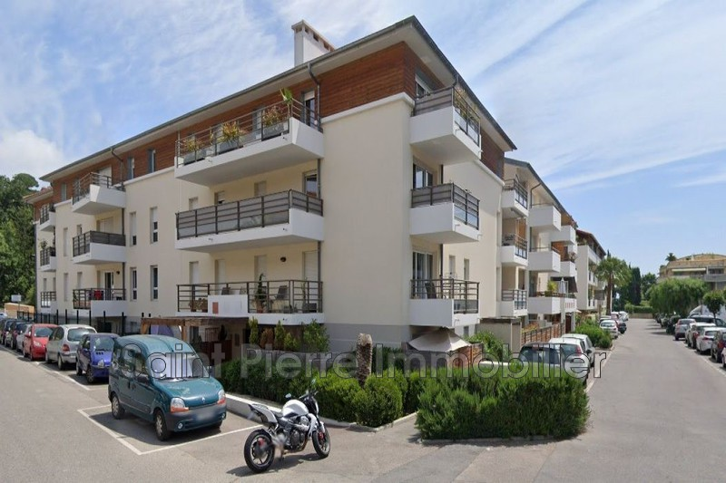 Photo Appartement Cagnes-sur-Mer Polygone,  Location appartement  2 pièces   45 m²
