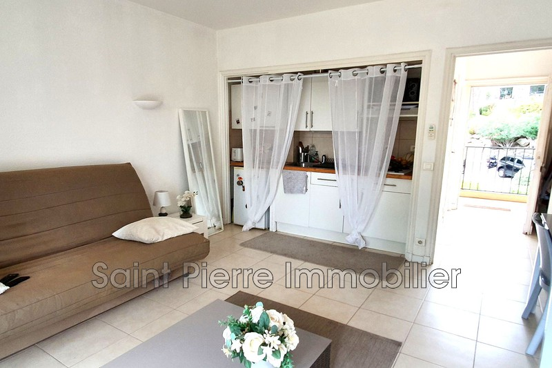 Photo Apartment Villeneuve-Loubet Hauts de vaugrenier,  Rentals apartment  1 room   25 m²
