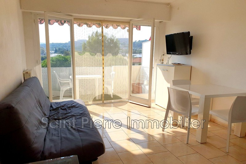 Photo Appartement Cagnes-sur-Mer Hippodrome,  Location appartement  1 pièce   21m²