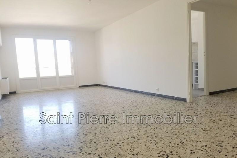 Photo Appartement Cagnes-sur-Mer Centre-ville,   achat appartement  3 pièces   82m²